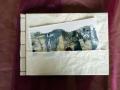 handgemachtes Künstlerbuch mit umlaufenden Umschlag mit Taschen und japanischer Blockheftung 1